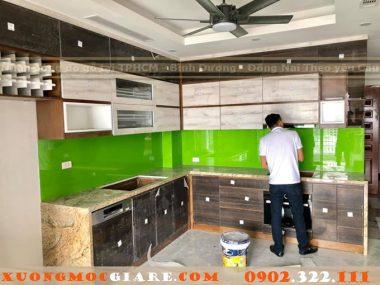 Đặt đóng tủ bếp laminat chữ U cư cao cấp tại Quận Tân Bình