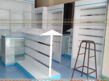 Đóng tủ kệ trưng bày cho shop bán giầy dép đẹp ở TPHCM
