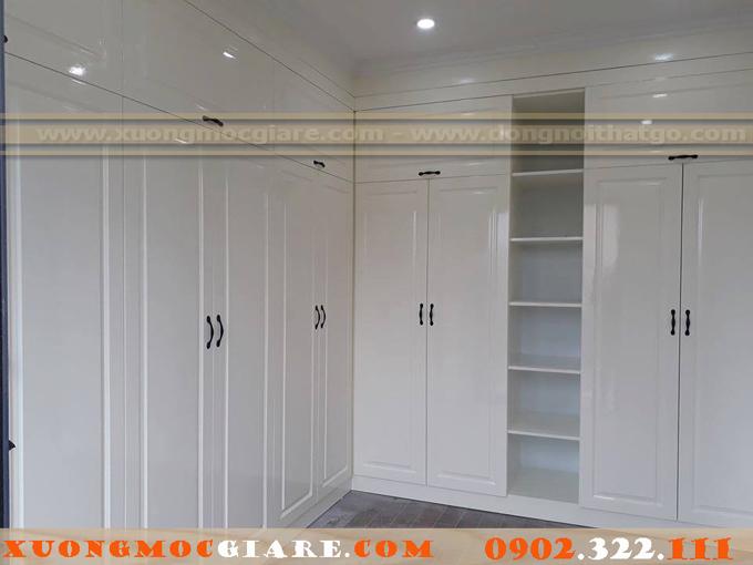 tủ áo gỗ sồi tự nhiên sơn trắng bóng 2k