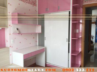 Những tủ quần áo màu hồng trắng cho bé gái