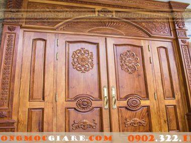 Địa chỉ đóng cửa gỗ cao cấp vừa đẹp vừa rẻ theo yêu cầu.